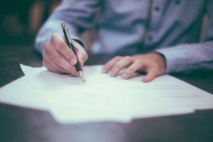 Più contratti stabili, ma c'è meno lavoro